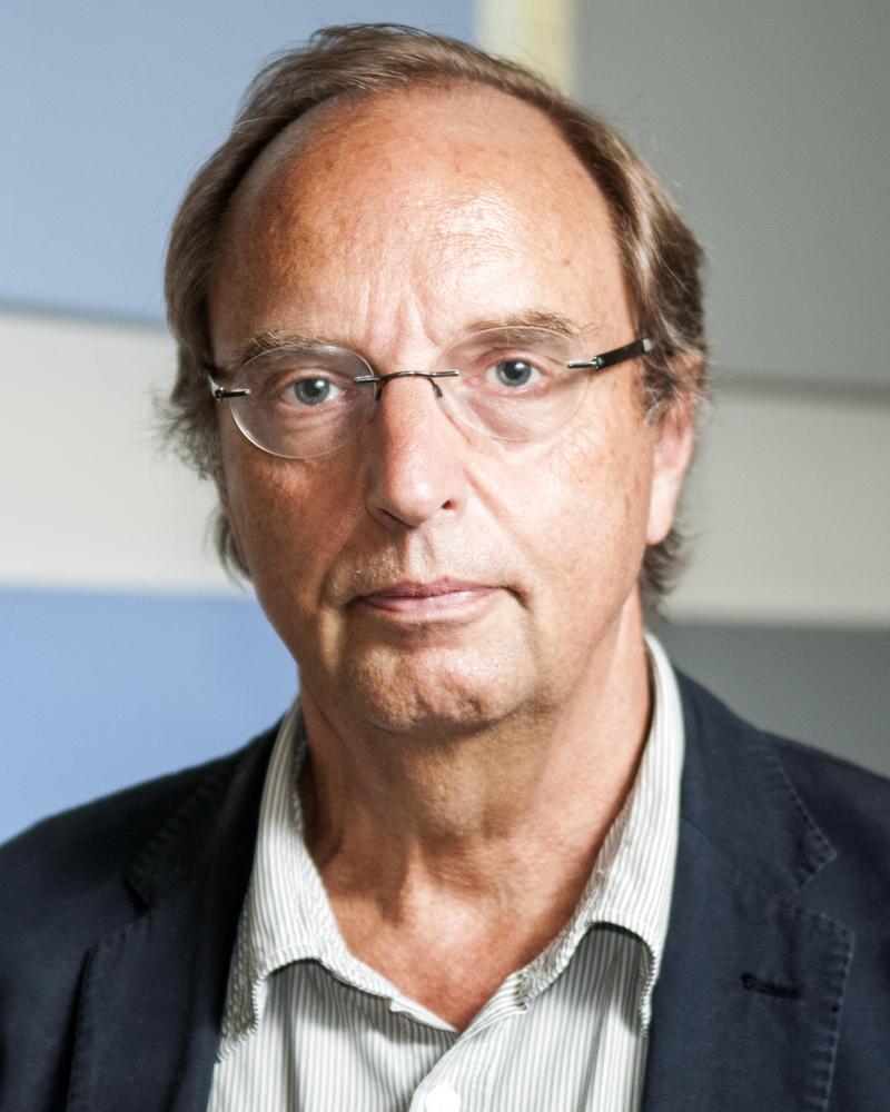 Hasil gambar untuk professor henk schulte nordholt